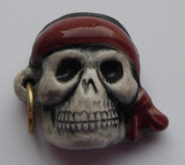 Peruvian Fantasy Bead - Pirate Skull with Red Bandanna