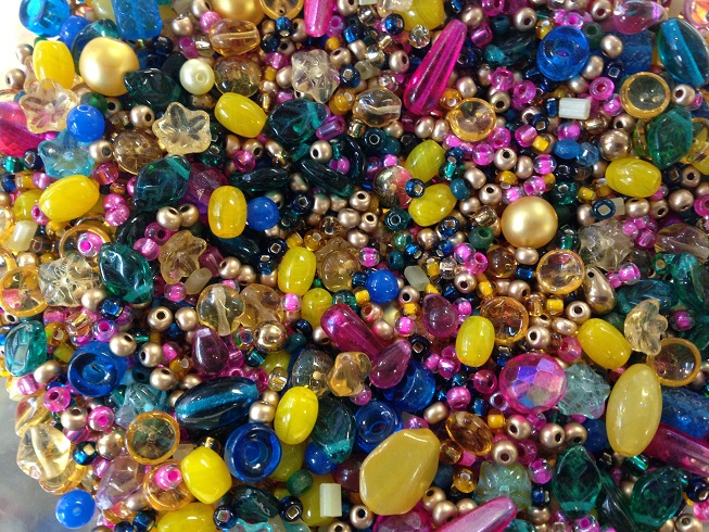 A 25 gram mix of assorted Czech glass beads, Tapestry