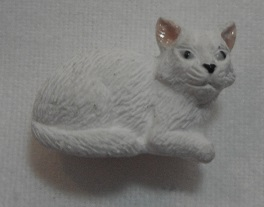 Peruvian Animal Bead - White cat.